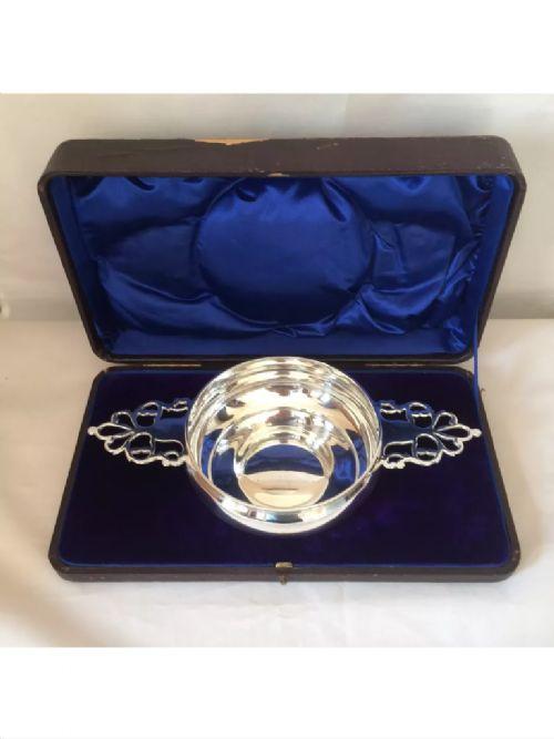 solid silver victorian presenation bowl 1894 london large size 10 oz