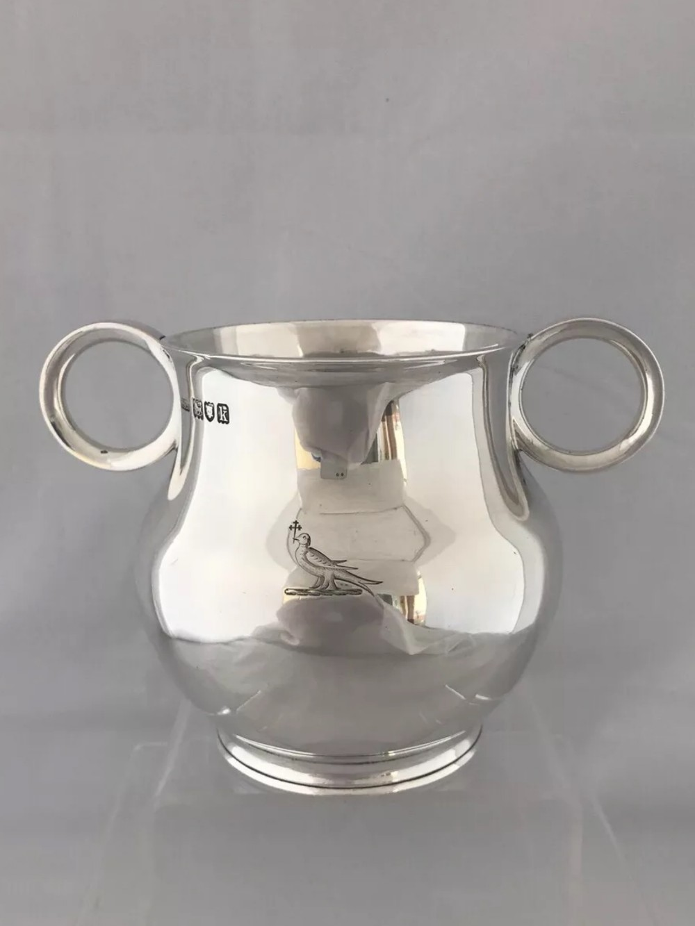 large and heavy edwardian ox eye handled cup 1905 london henry stratford
