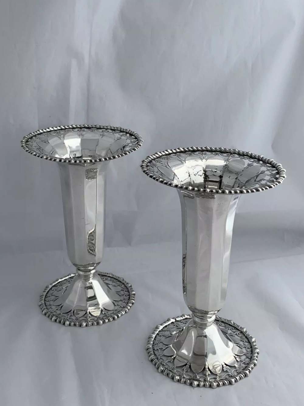 pair of solid silver flower vases 1921 birmingham sterling silver heavy