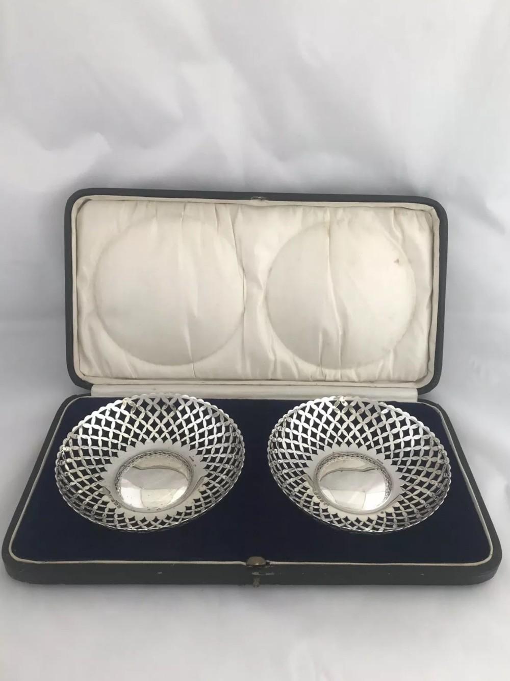 pair of solid pierced silver bowls 1919 birmingham a j zimmerman