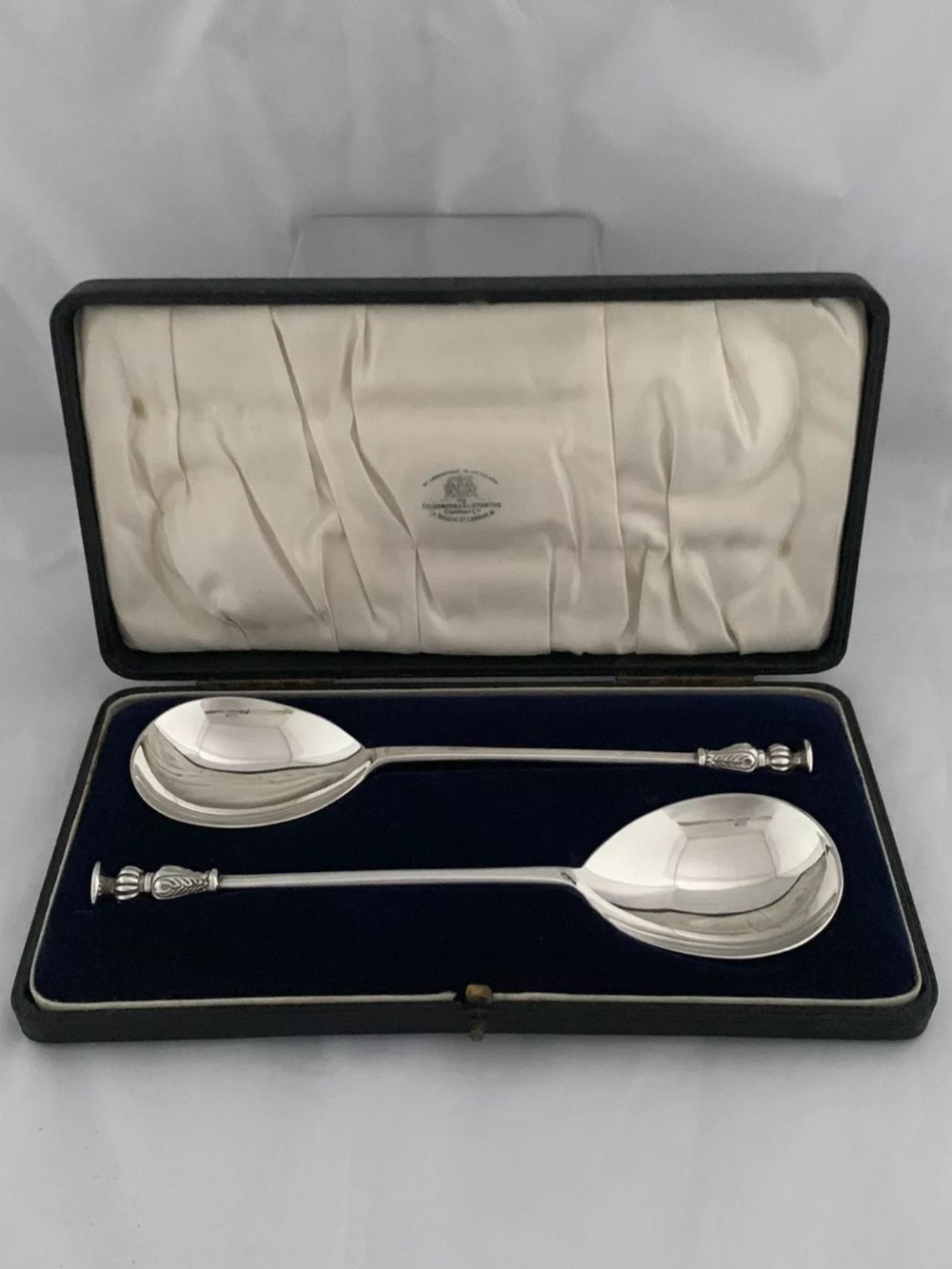large seal top serving spoons 1925 london goldsmiths silversmiths sterling