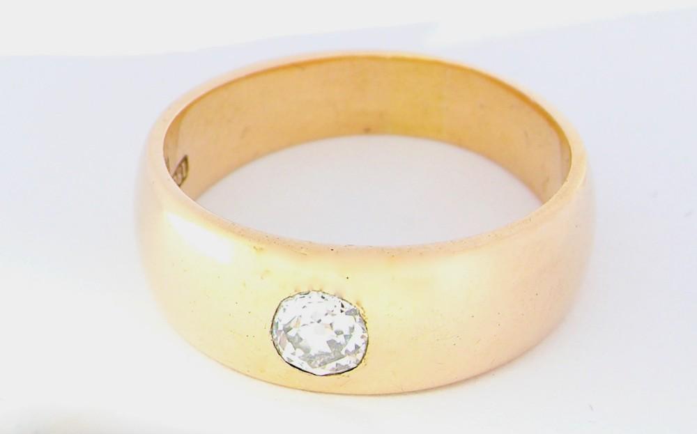 an early 20th century men's diamond ring
