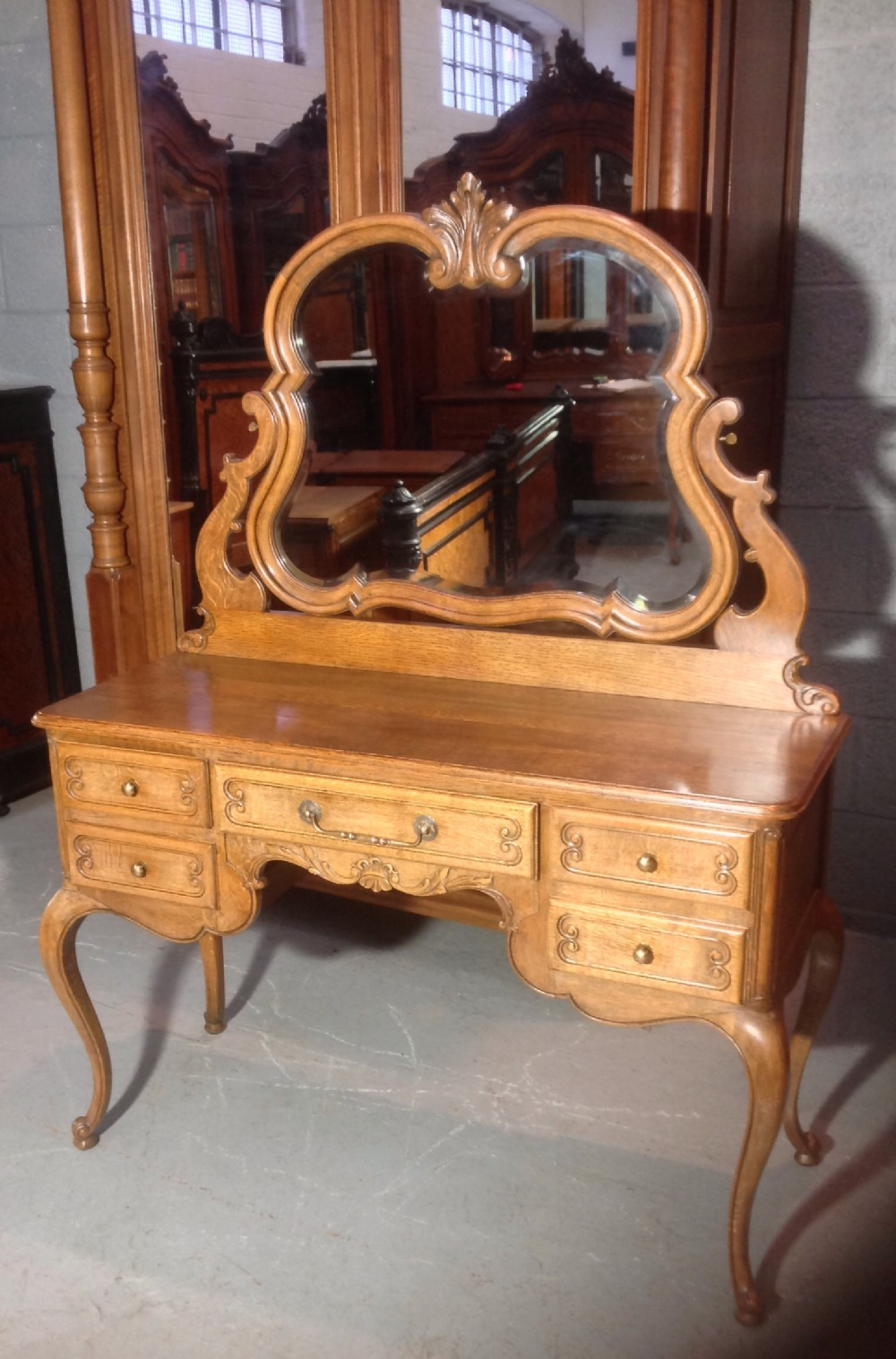 solid oak french dressing table