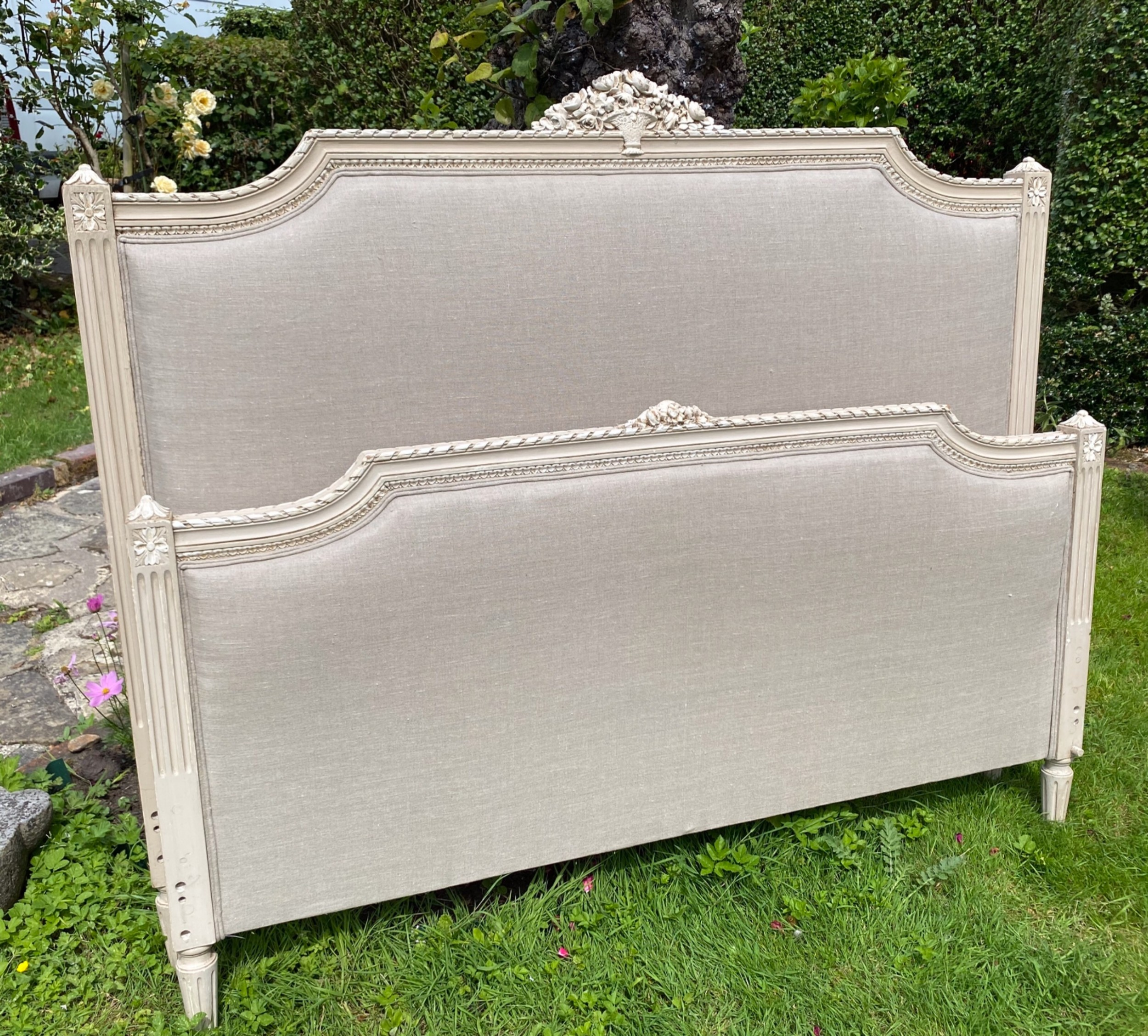 french kingsize painted bed