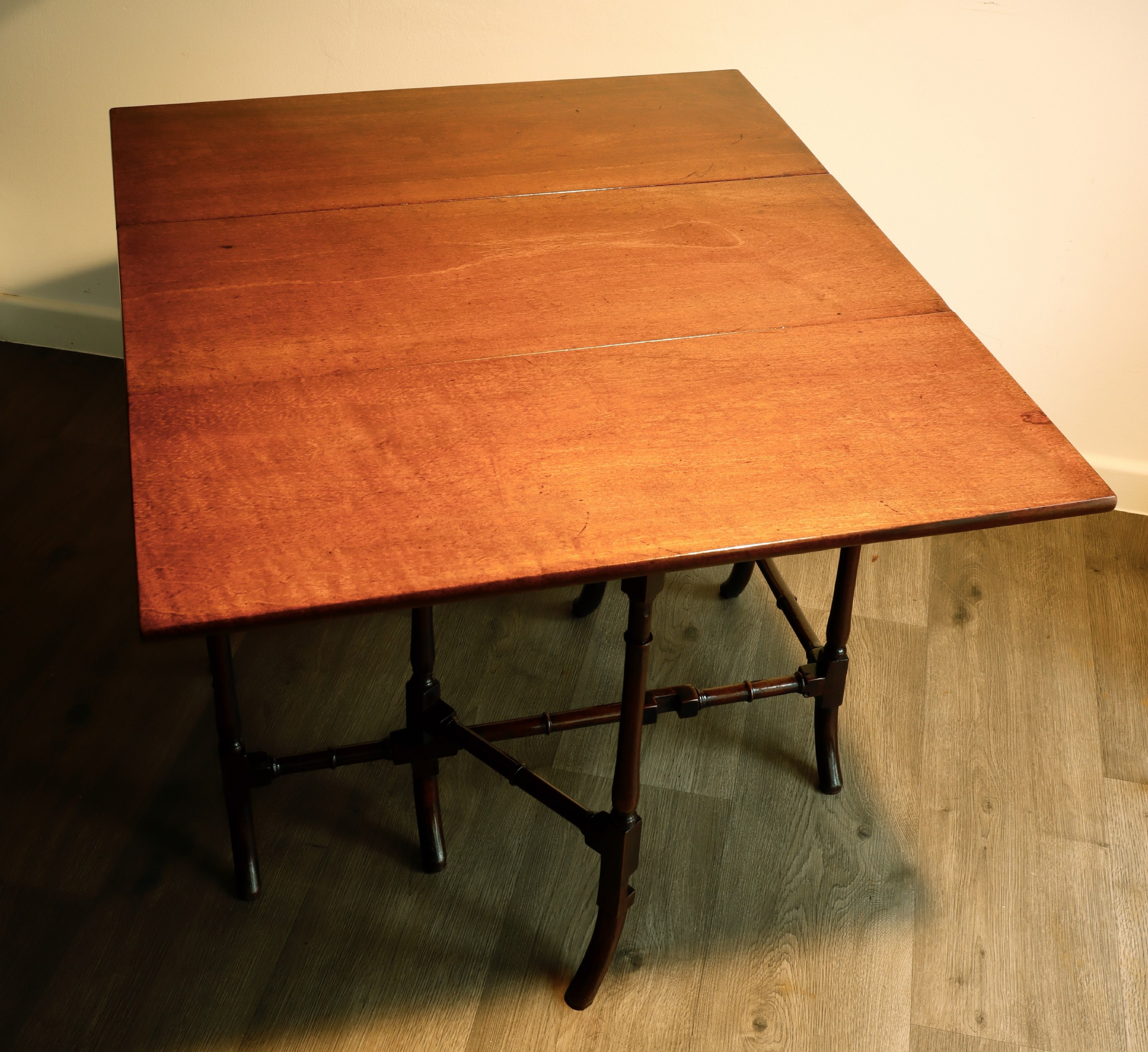 fine georgian mahogany spider leg table