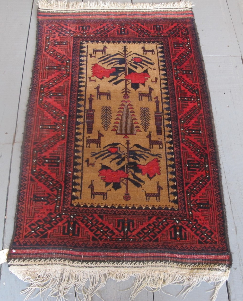 fine belouch rug 122m x 077m 4' x 26