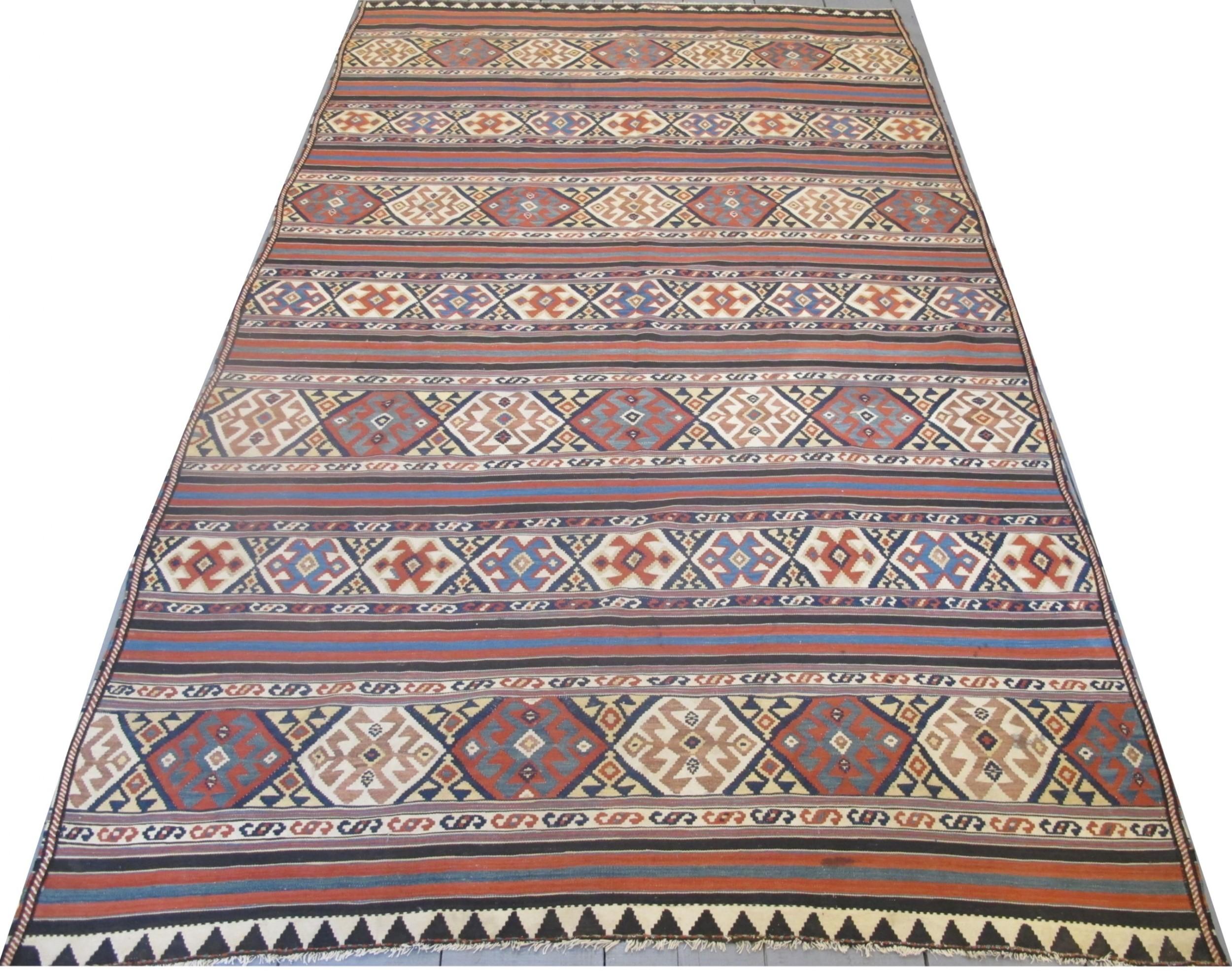 fine antique caucasian kilim 310m x 195m 10'2 x 6'4