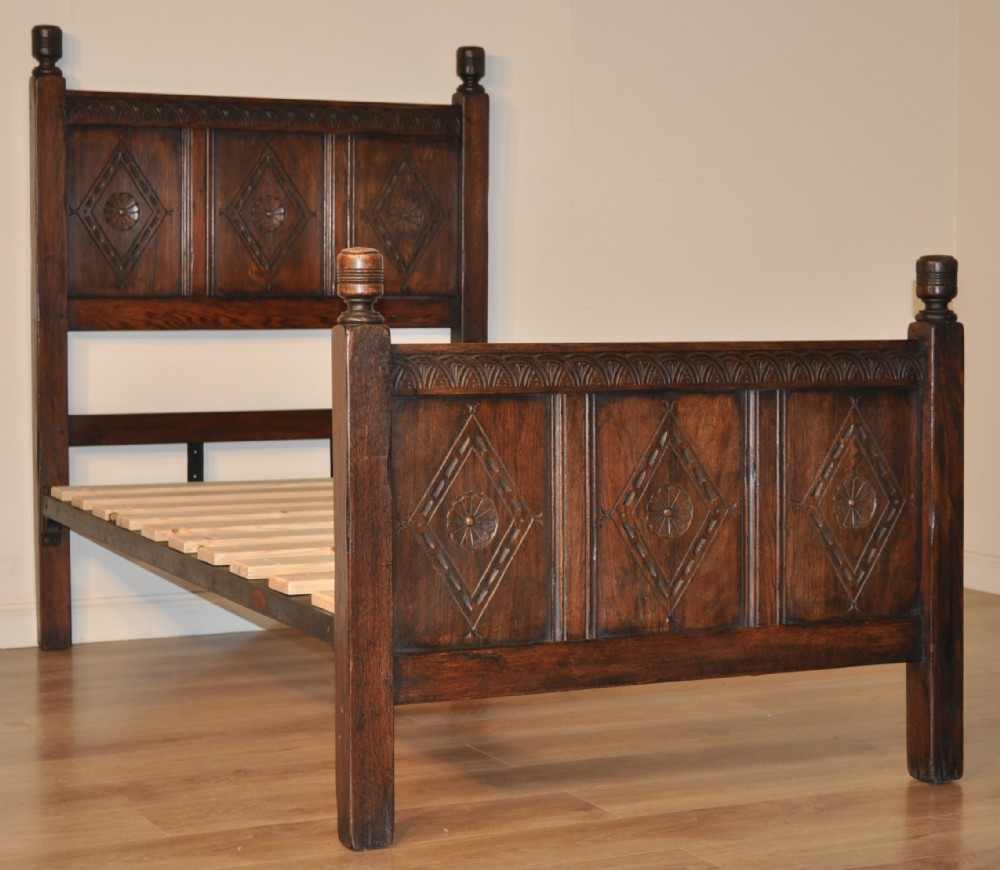 Victorian bed bases : Attractive antique victorian carved solid oak large