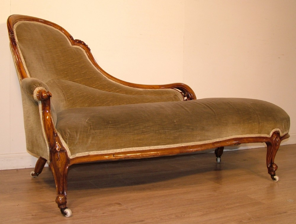Attractive antique victorian carved walnut chaise longue for Antique chaise lounge prices