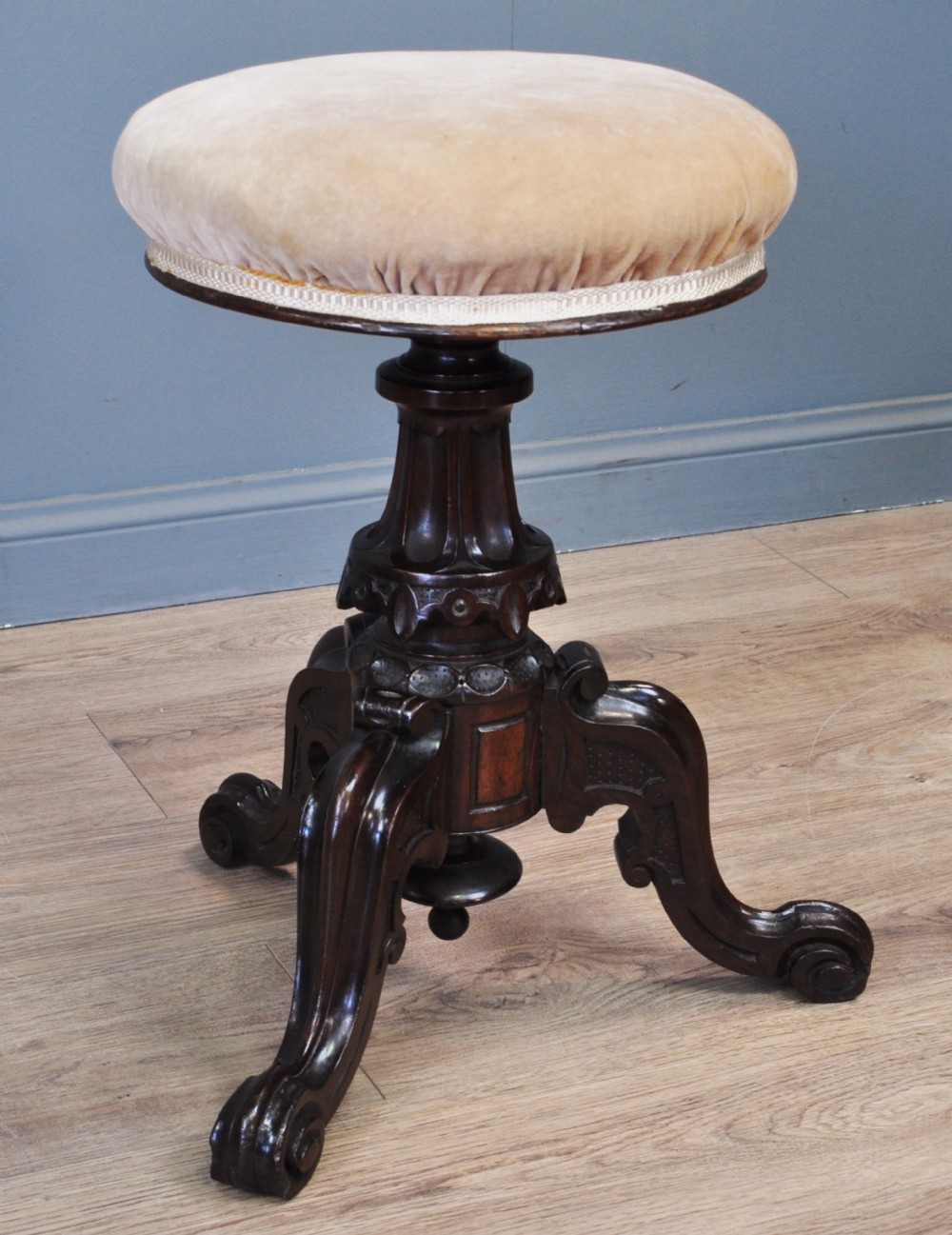 attractive antique victorian carved rosewood adjustable revolving piano stool