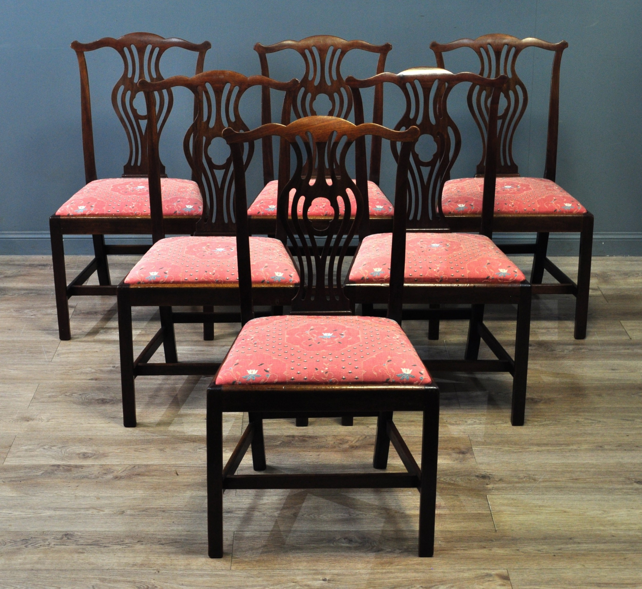 attractive set of 6 six antique carved mahogany chippendale style dining chairs