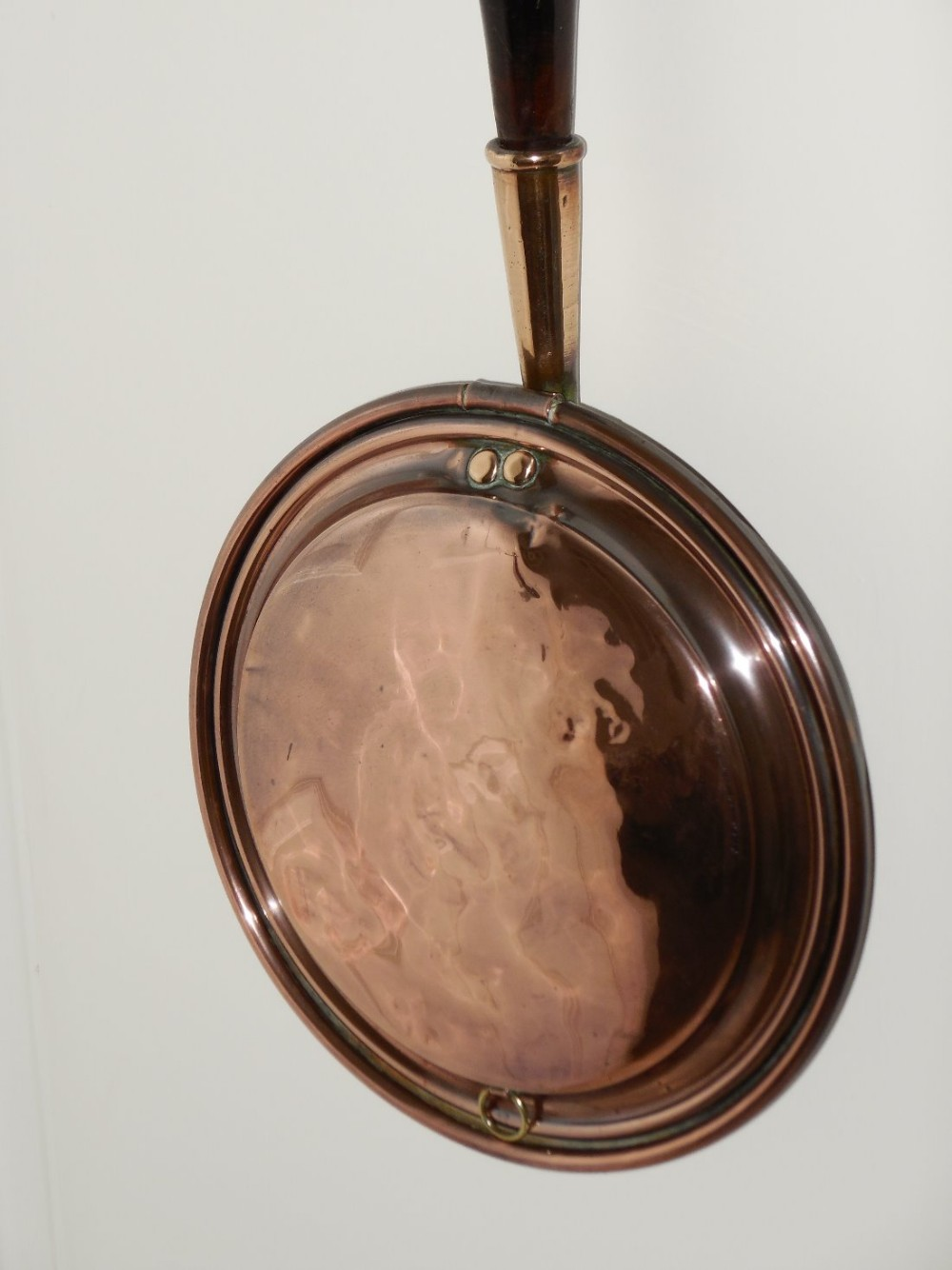 What Is A Victorian Bed Warmer : Victorian copper bed warming pan