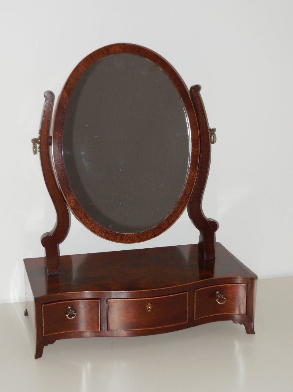 Georgian Mahogany Serpentine Front Dressing Table Mirror