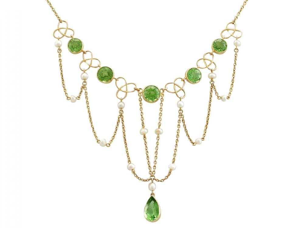 746ct peridot and seed pearl 15ct yellow gold necklace antique victorian