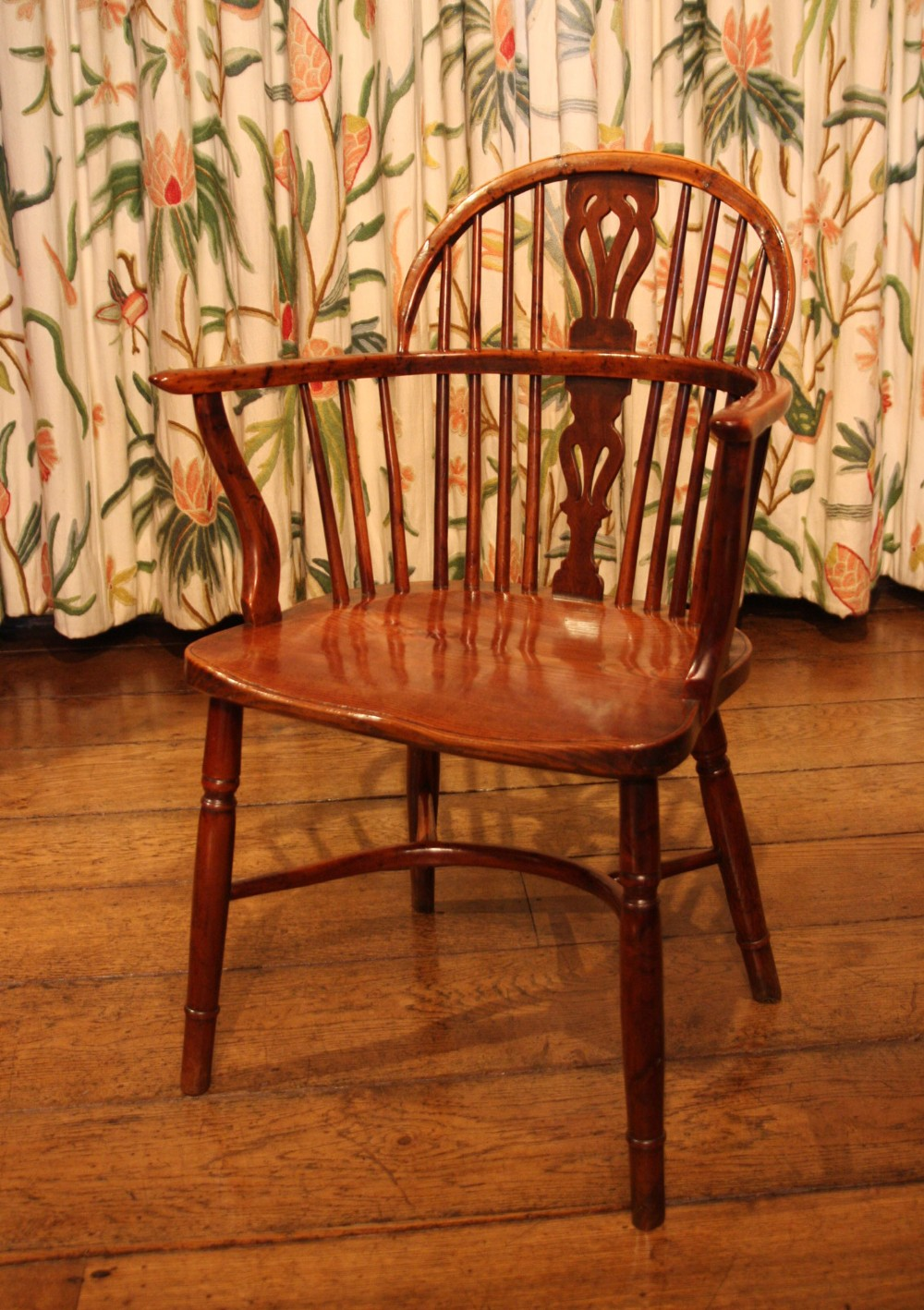 Set Of Yew Wood Windsor Dining Chairs 269064