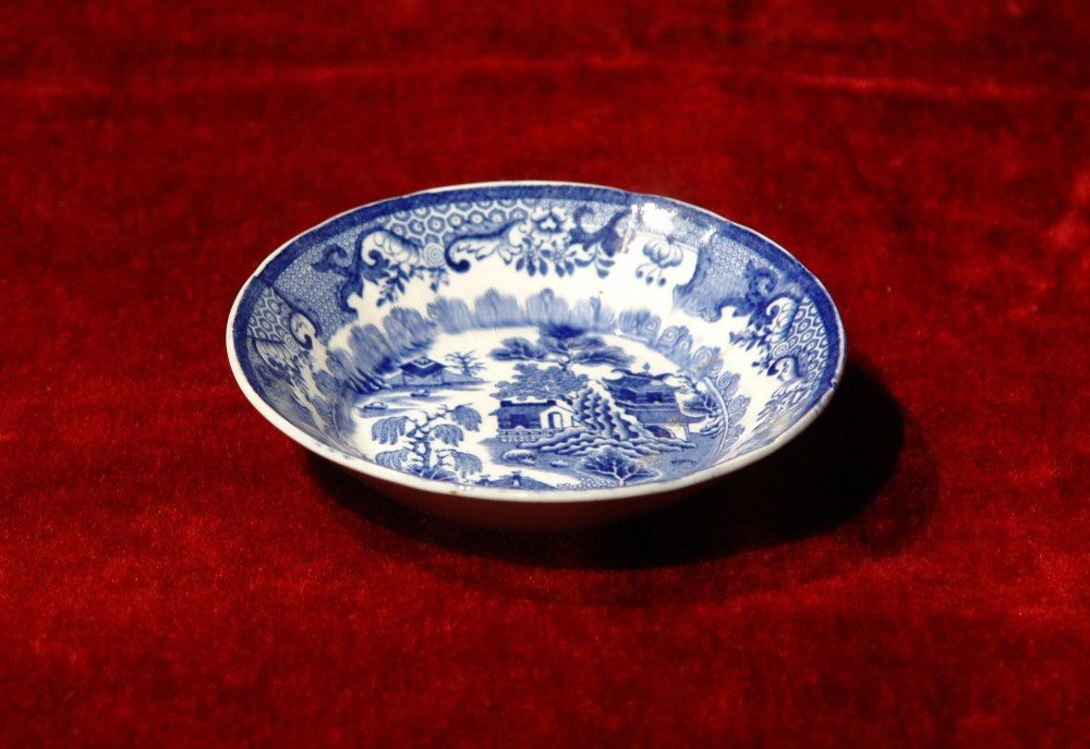 masons ironstone blue and white dish