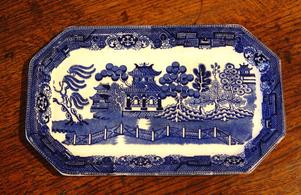 doulton blue and white willow pattern sandwich plate