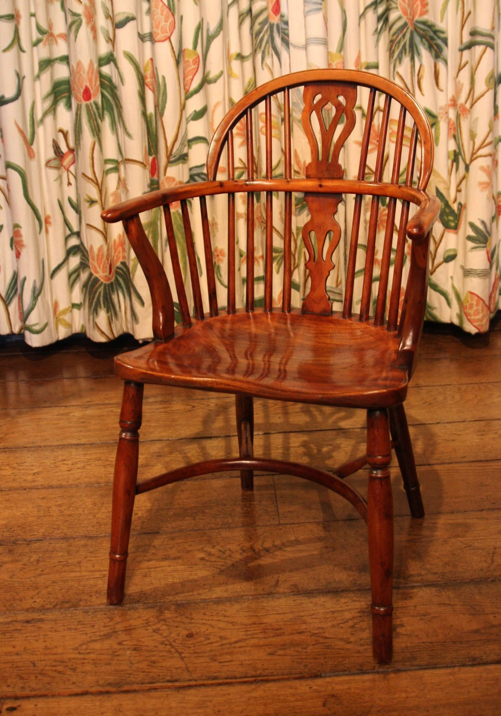 early 19th century yew wood windsor dining chair