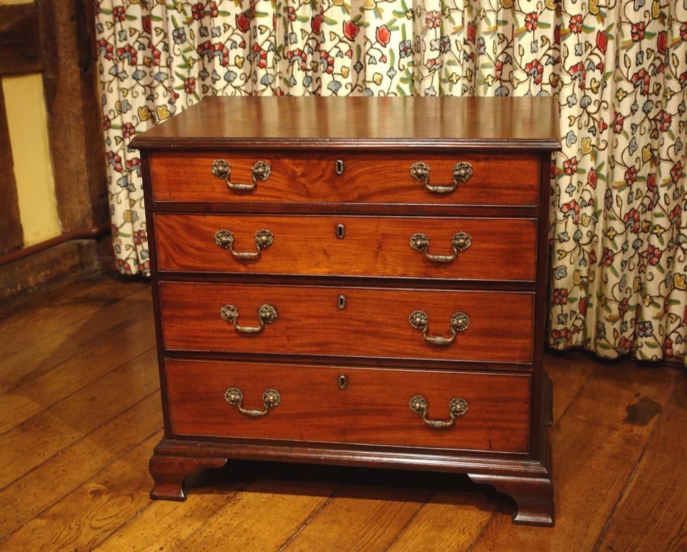 small georgian mahogany chest of drawers