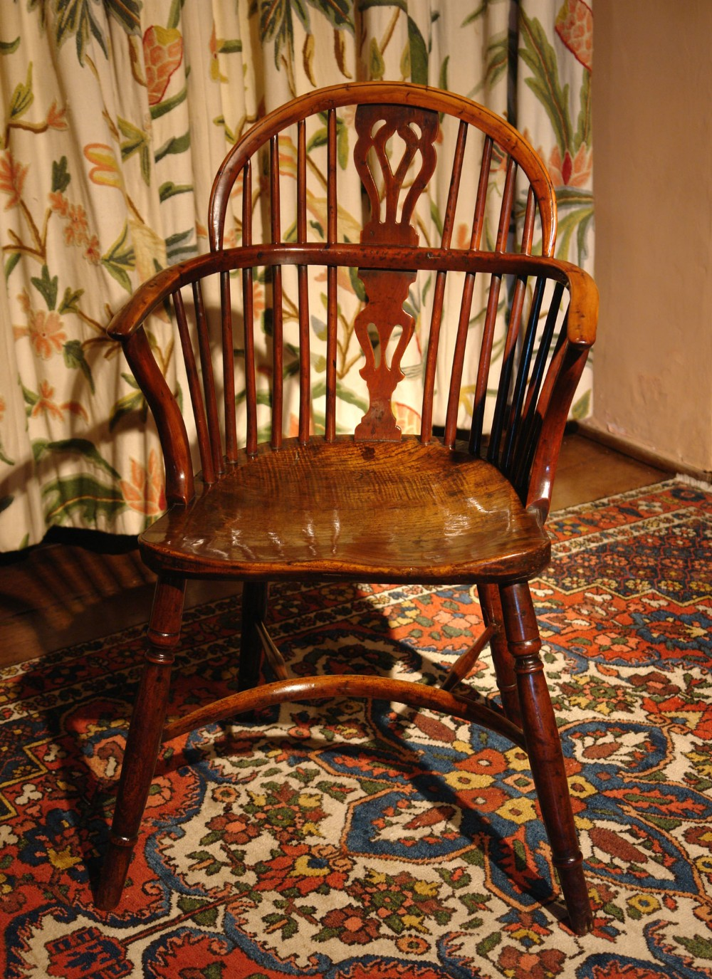 early 19th century yew wood windsor country dining chair