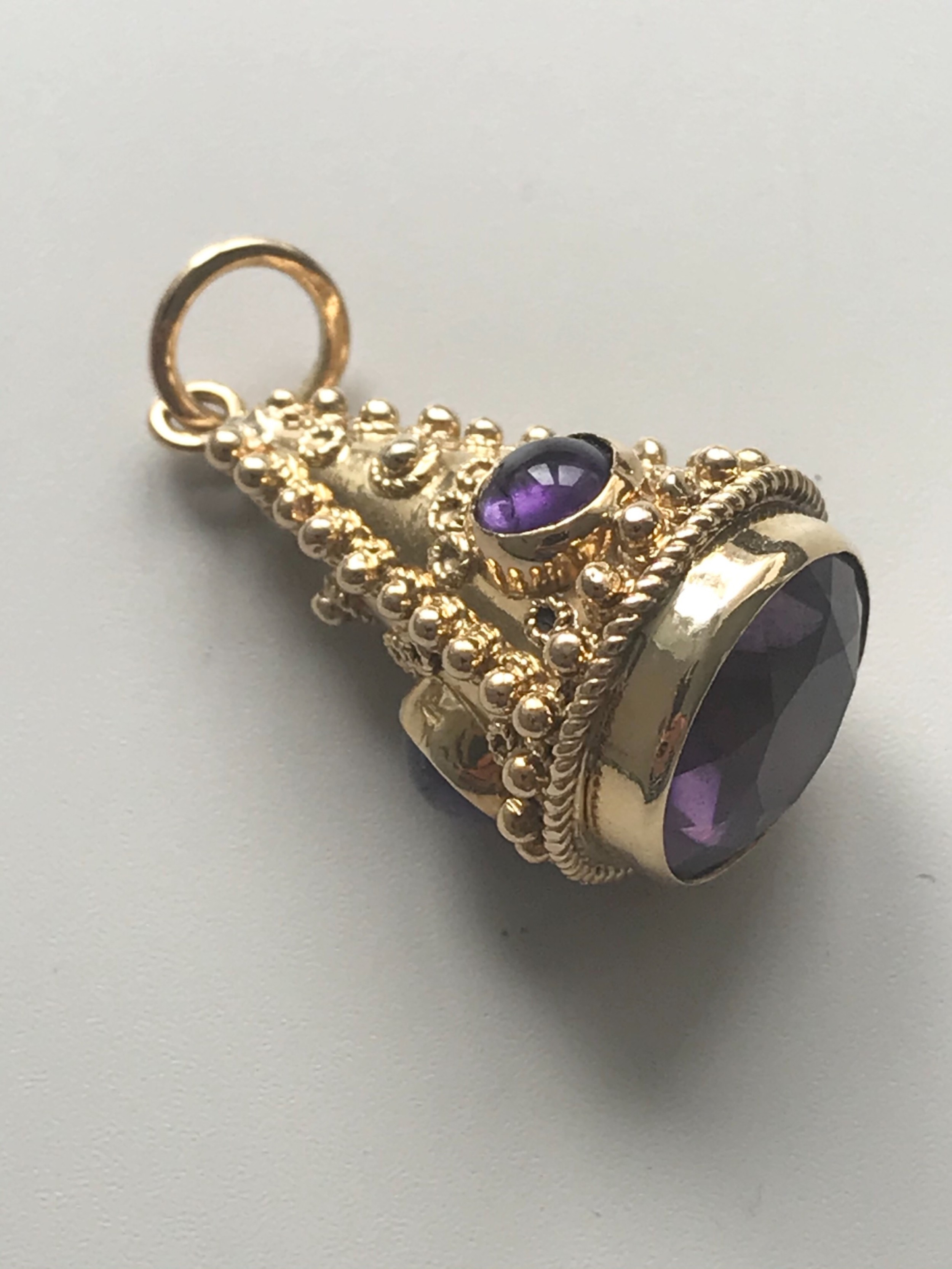 a late victorian beautiful 18 ct yellow gold amethyst pendant