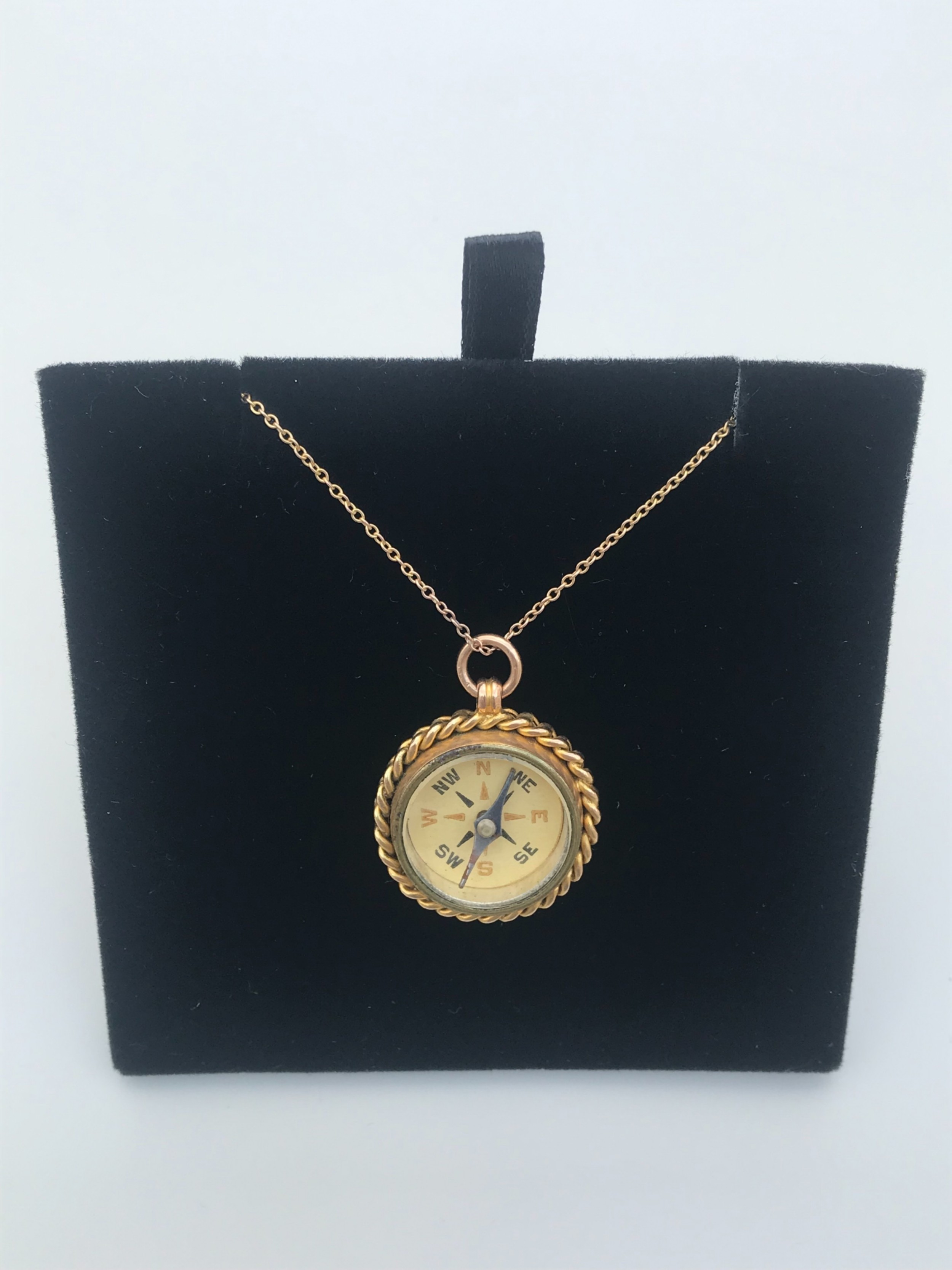 later victorian 9 ct compass pendant