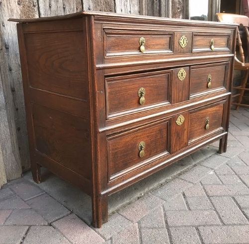 early 18thc oak elm chest of drawers