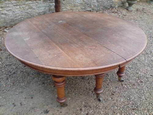 Round Oak Extending Dining Table 101063