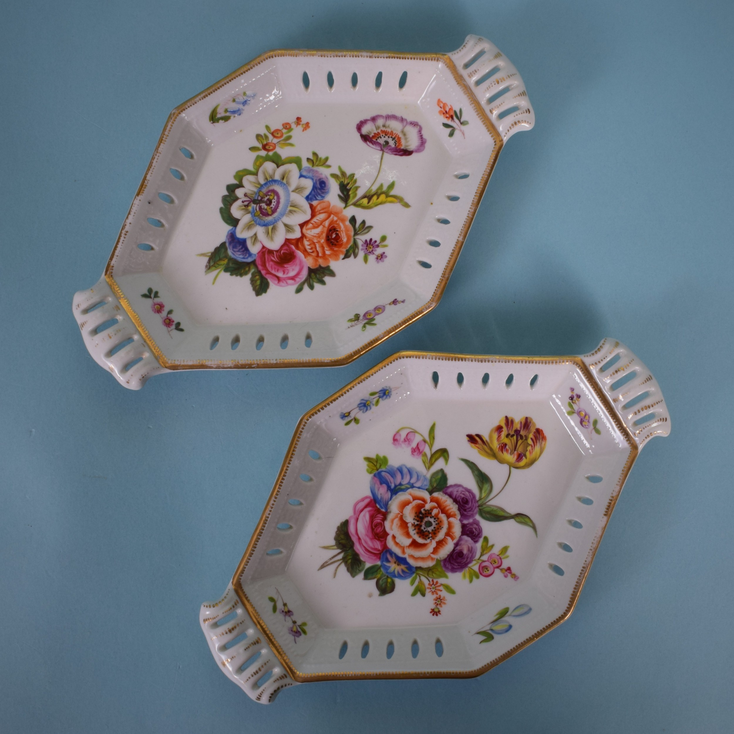pair of early 19th century english porcelain small lozenge shape dishes