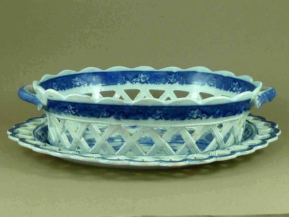 english blue and white willow pattern transfer printed pearlware chestnut basket