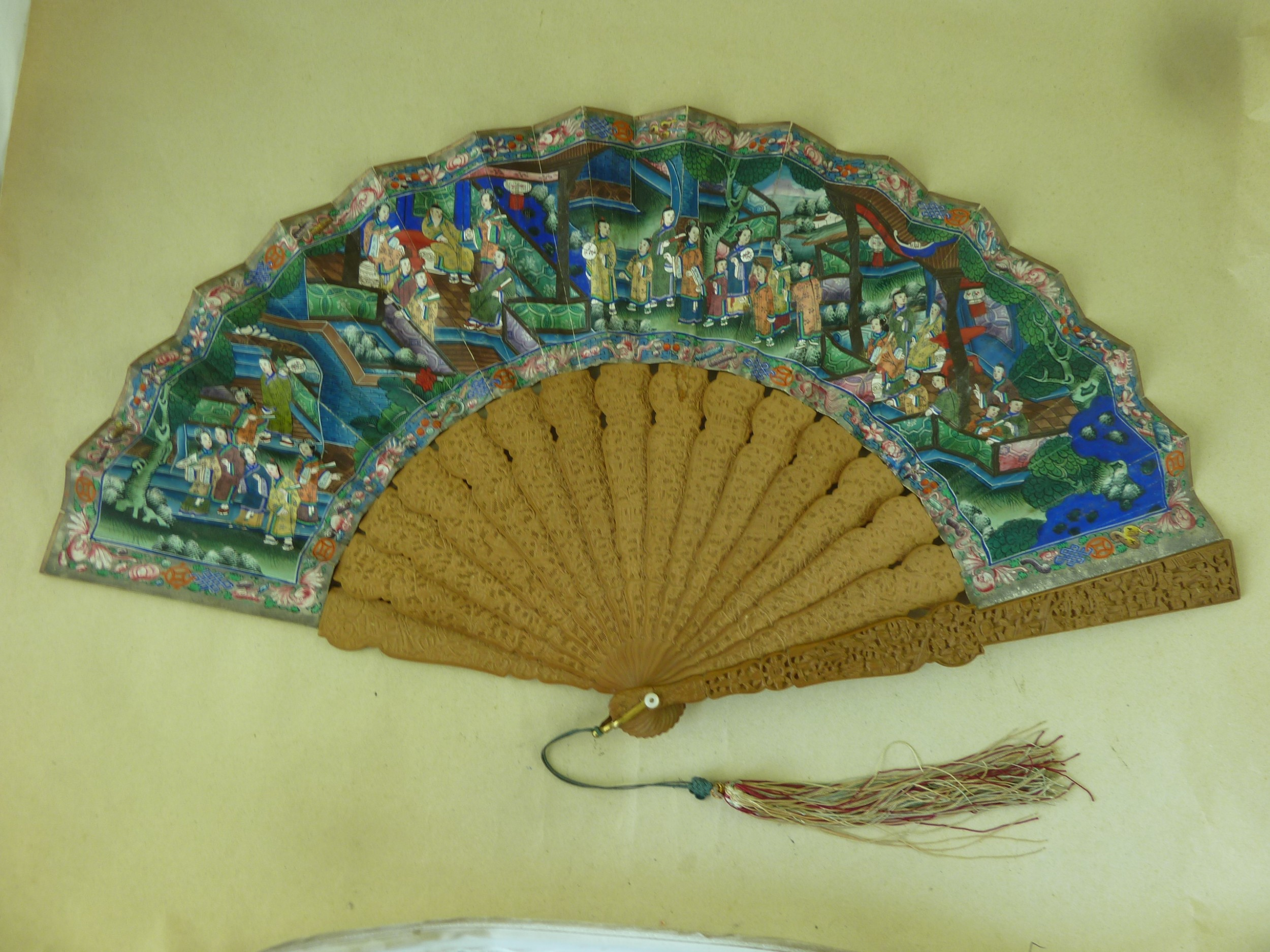 chinese export hand fan manderin thousand faces carved sandalwood canton