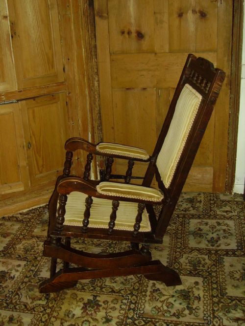 19th Century American Style Rocking Chair | 249791 | Sellingantiques.co.uk - 19th Century American Style Rocking Chair 249791 Sellingantiques