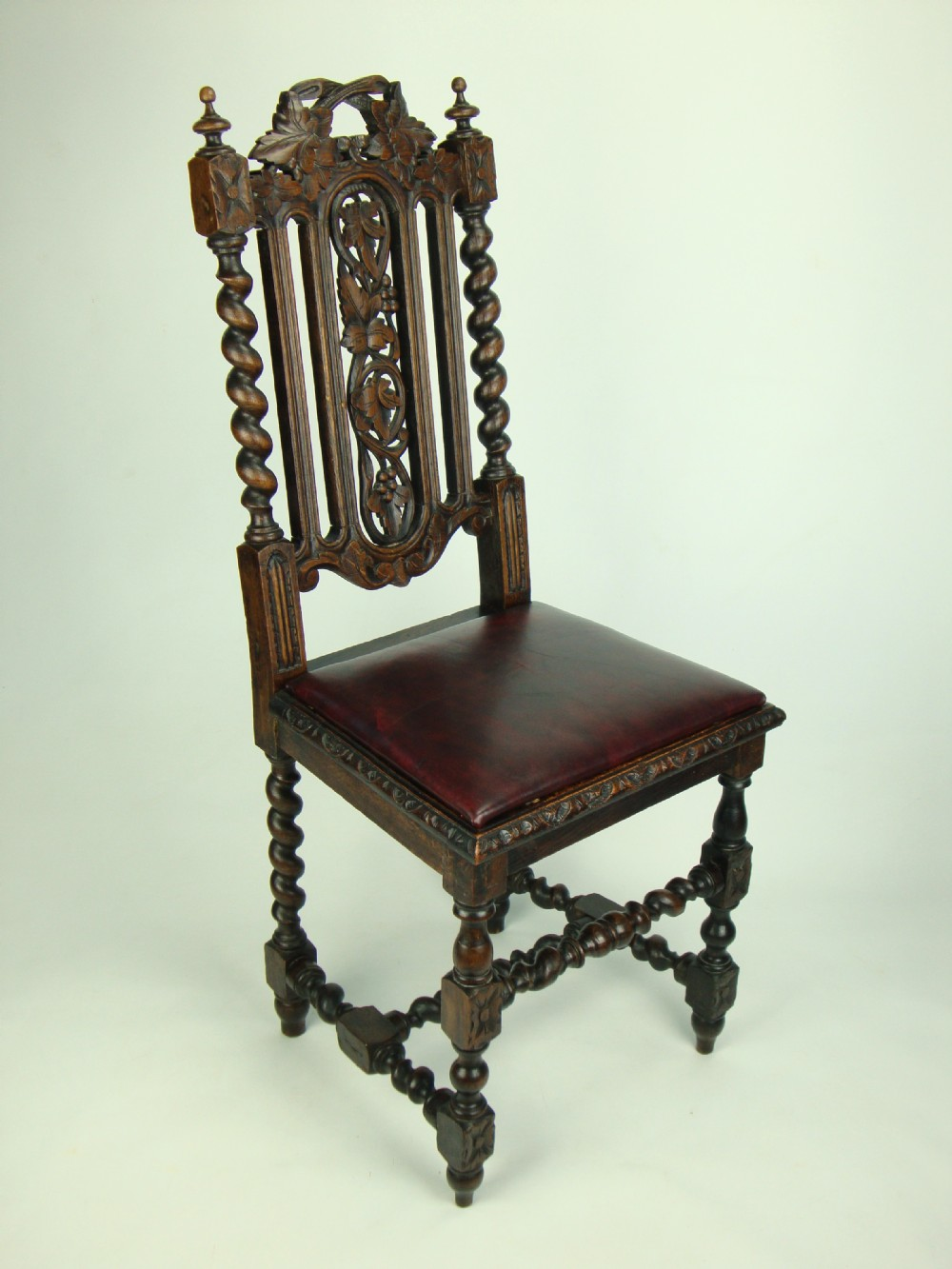Genial Antique Victorian Gothic Oak Chair With Leather Seat | 249814 |  Sellingantiques.co.uk
