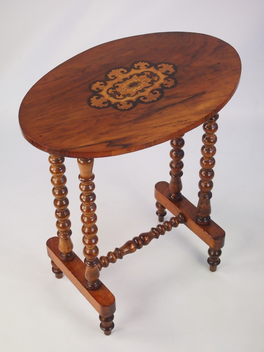 Small antique victorian walnut occasional table lamp for Small occasional tables