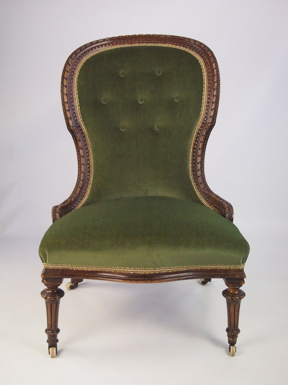 Antique Victorian Walnut Balloon Back Chair With Extensive Carving
