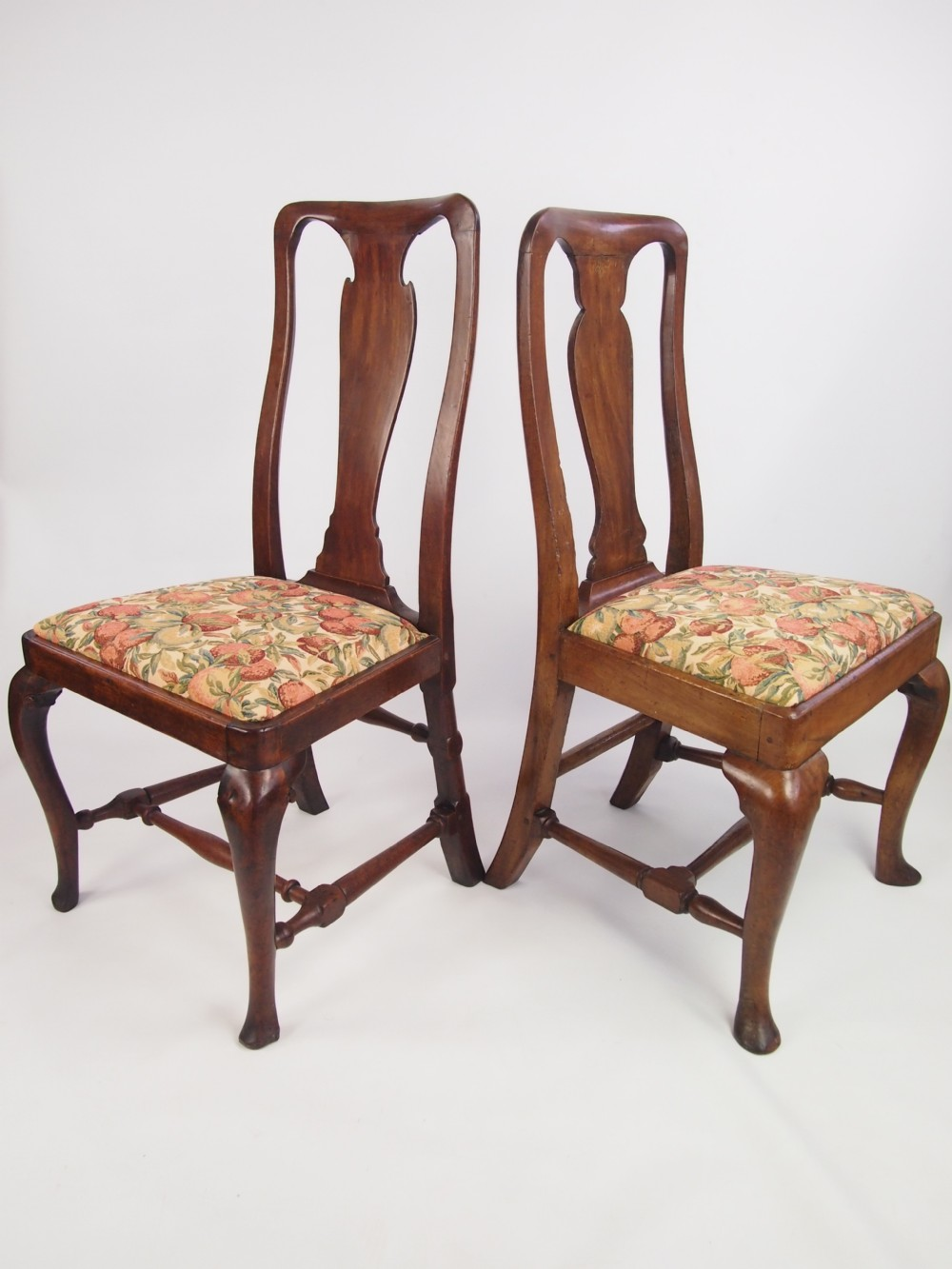Antiques the uk 39 s largest antiques website for Queen anne furniture