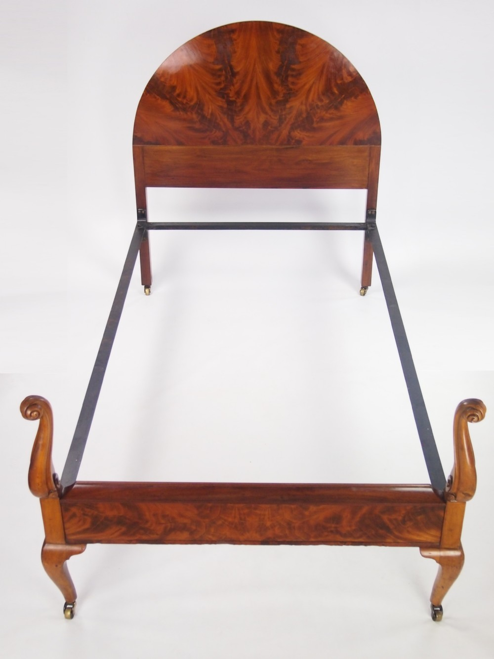 Queen anne style mahogany large single bed 3ft6 x 6ft3 for Queen anne style bed