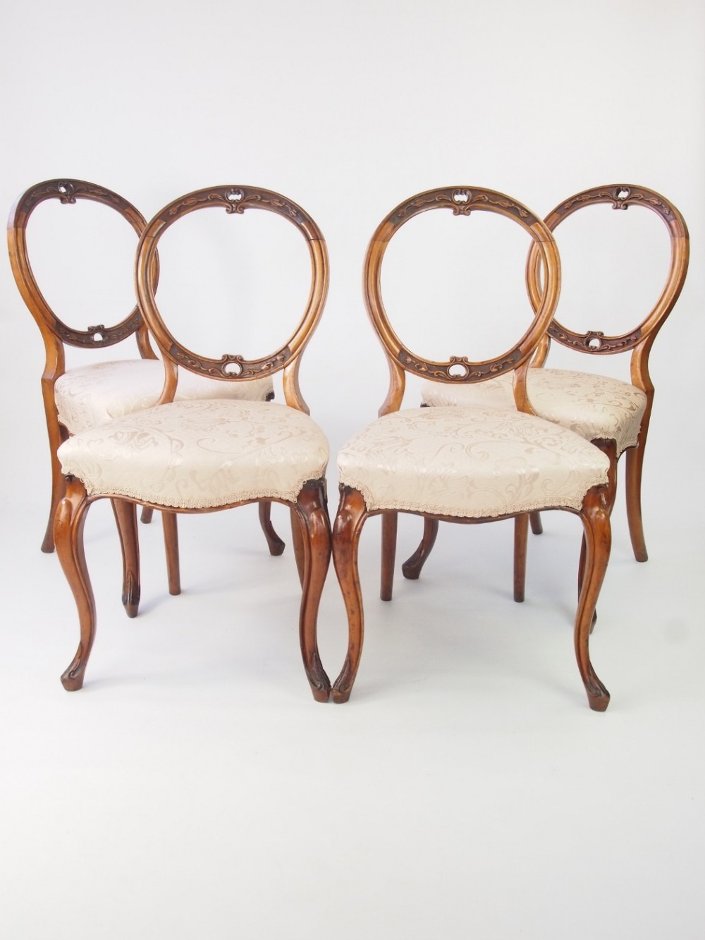 set 4 victorian walnut balloon back chairs - Set 4 Victorian Walnut Balloon Back Chairs 330107