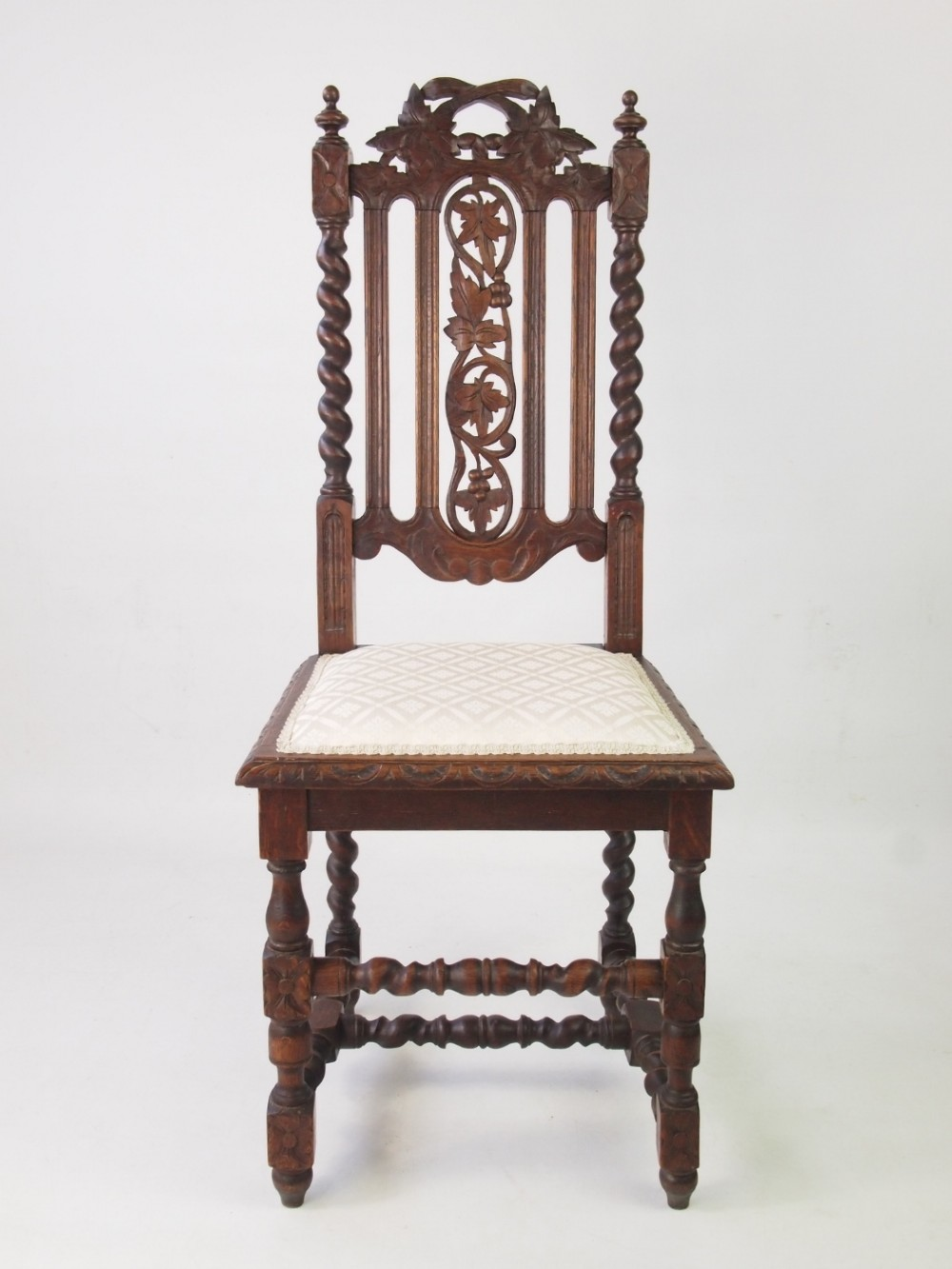 Victorian Gothic Revival Oak Chair 370540