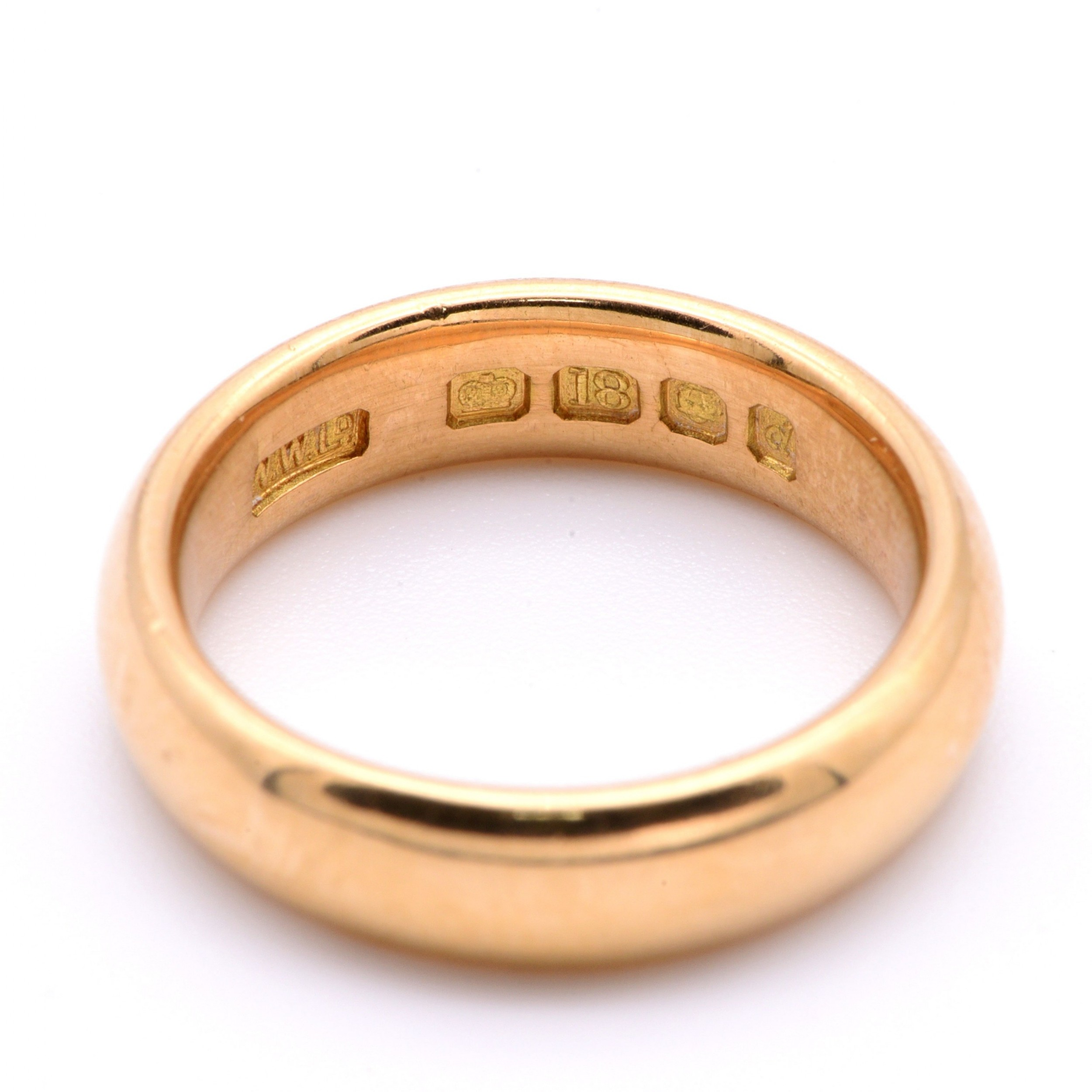 vintage 1959 weighty solid 18 carat gold band