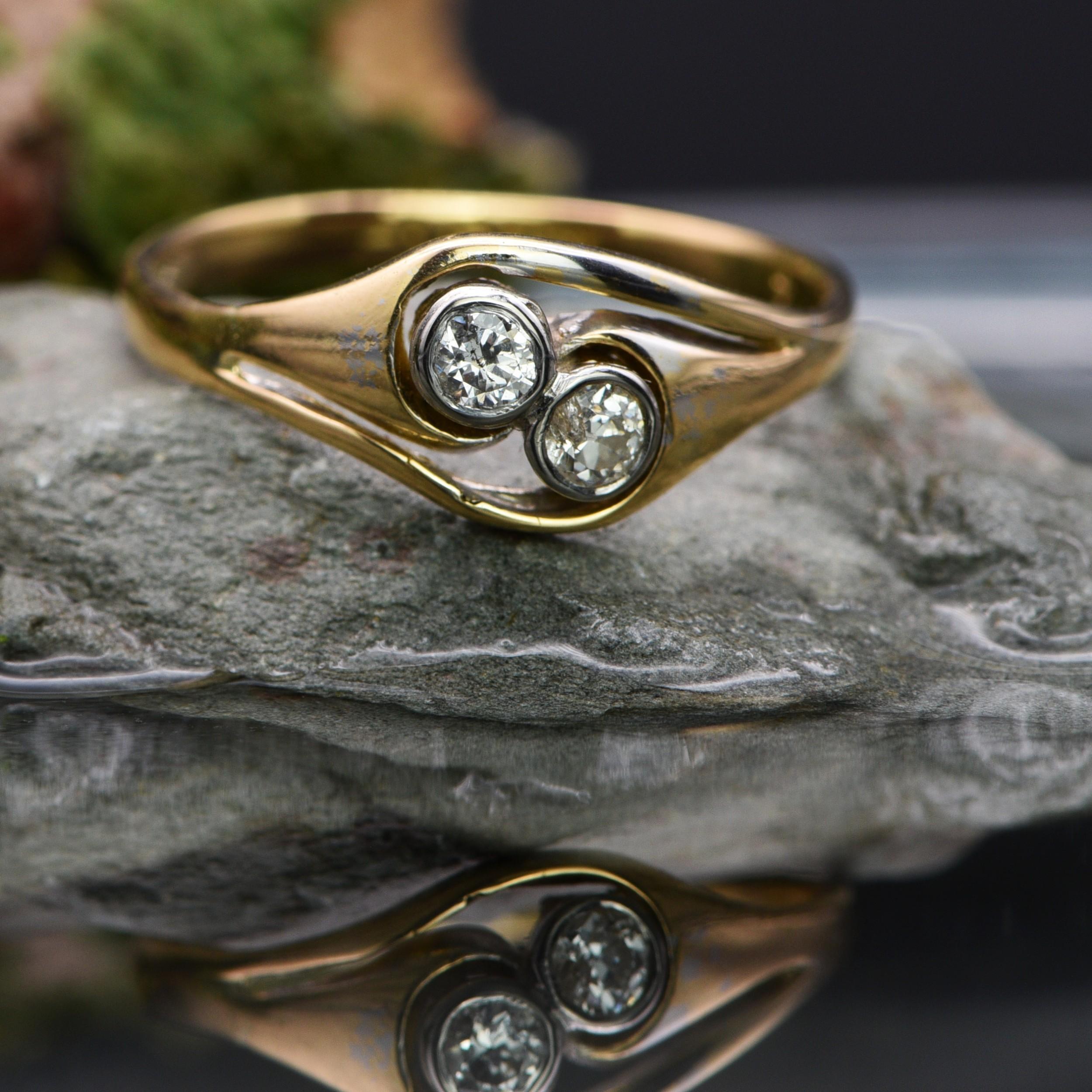 the vintage bezel set paired diamond twist ring