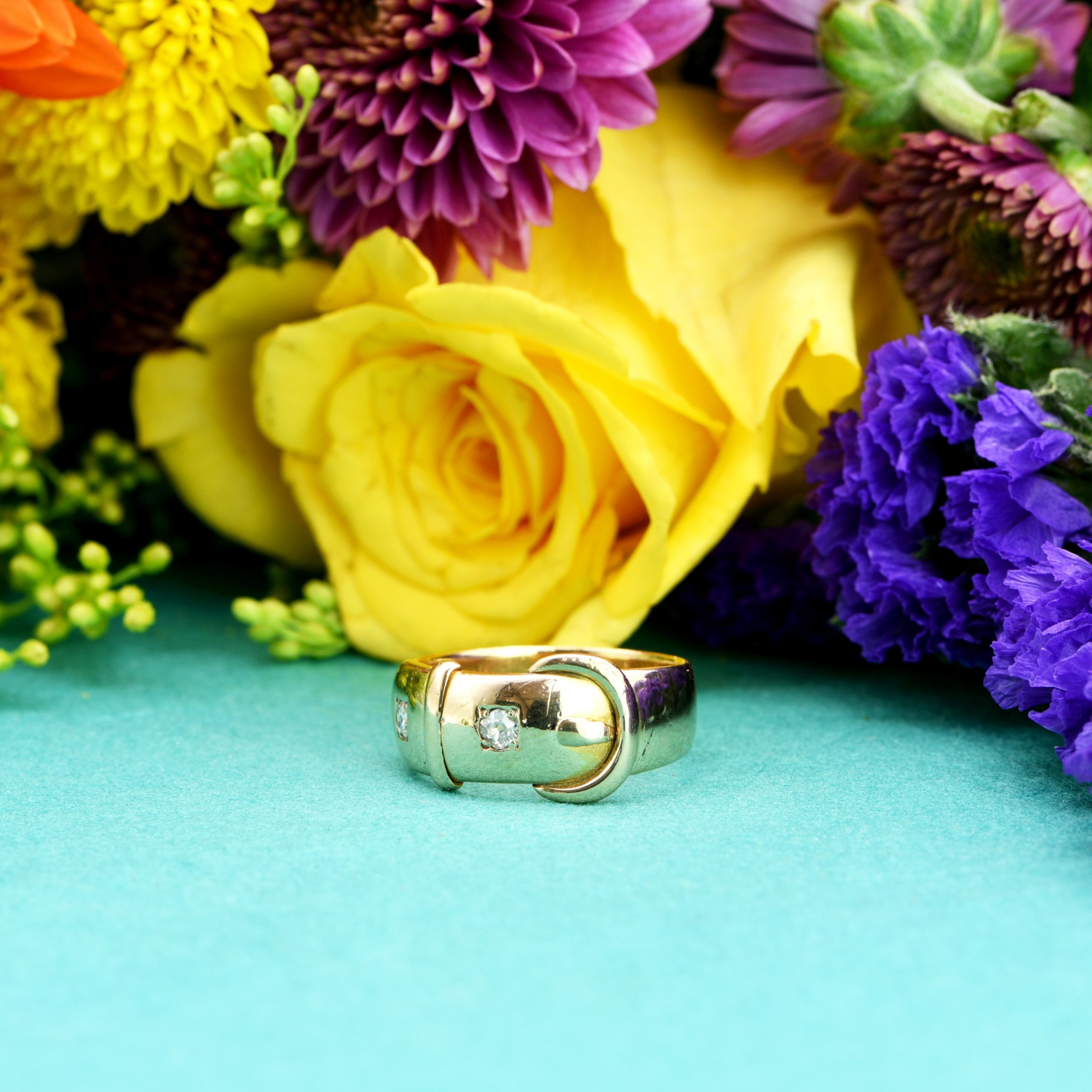 the antique victorian 1890 gold and diamond buckle ring