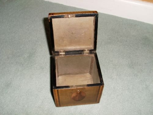 a regency single tea caddy - photo angle #2