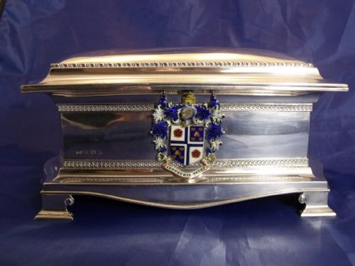 a very large superb quality solid silver hallmarked 192526 freedom box with enamel crest for widnes town