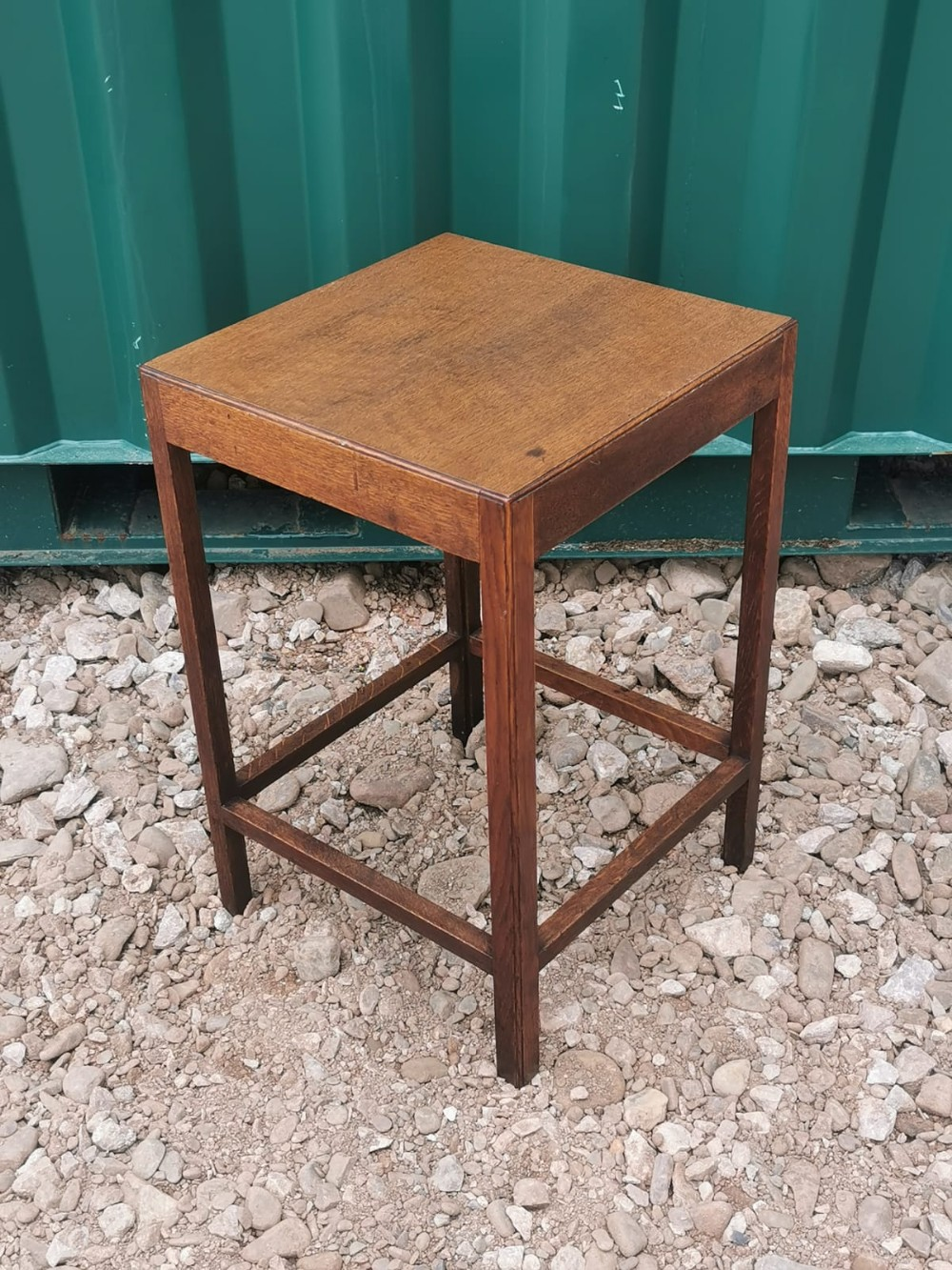 a cotswold oak occasional table lamp table
