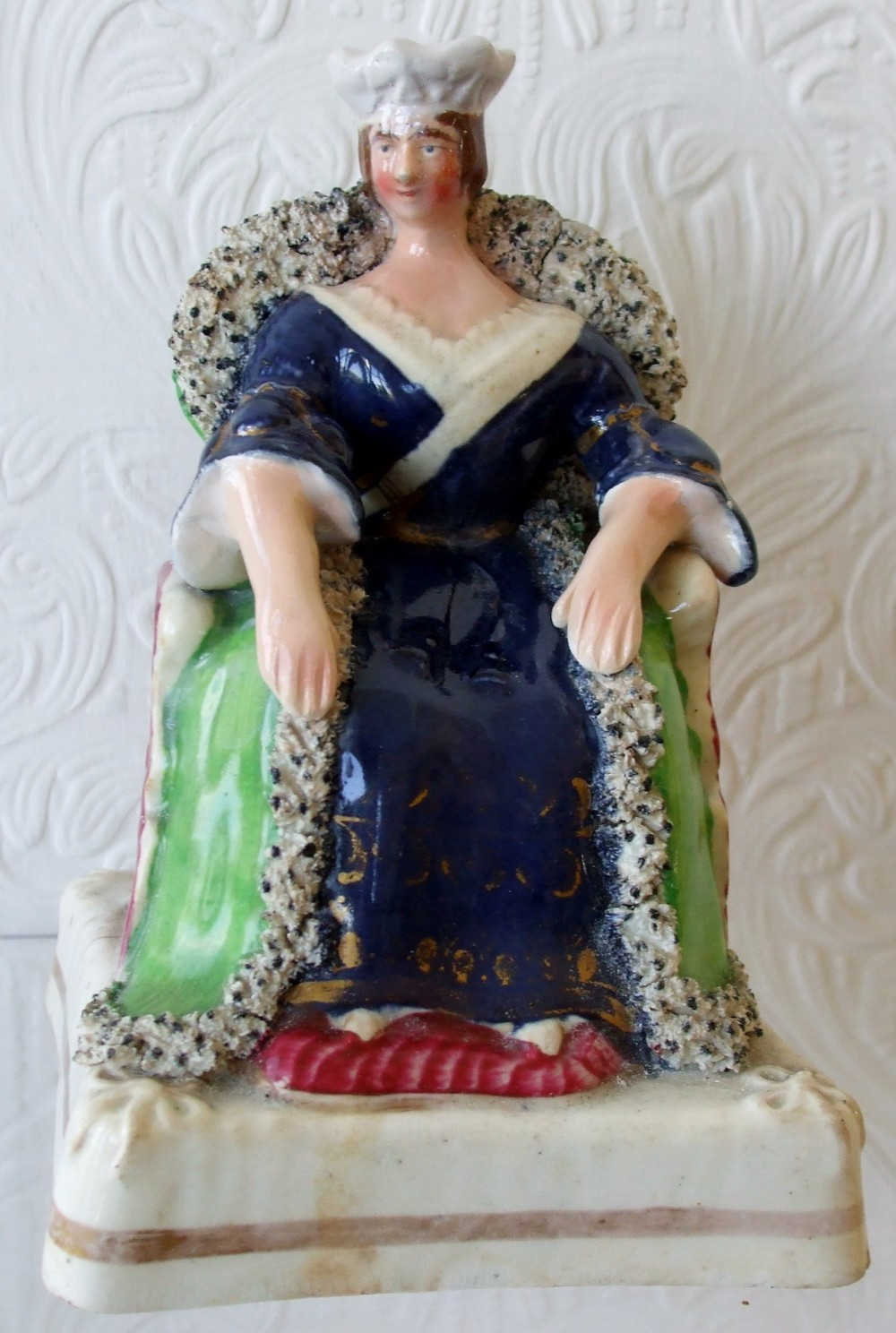 antique english victorian staffordshire pottery royal portrait figure queen victoria h 485