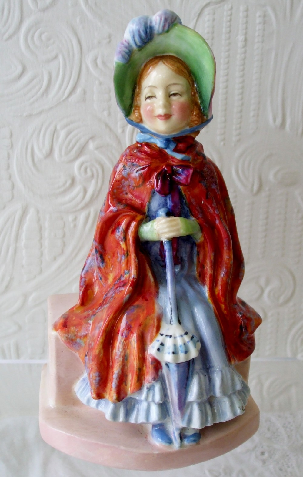 vintage royal doulton english porcelain figurine little lady make believe hn 1870