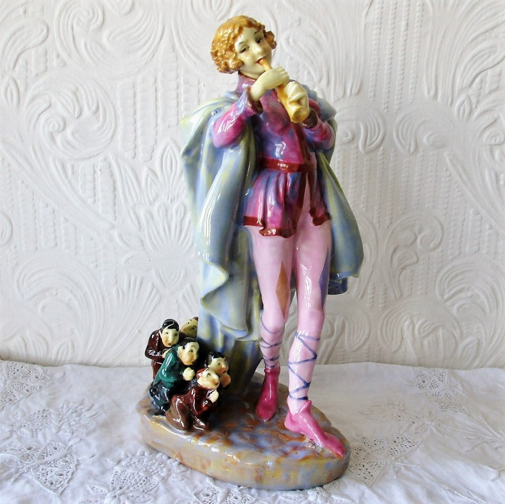 vintage royal doulton english porcelain figurine the modern piper hn 756