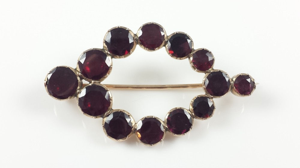 antique george iii gold flat cut foiledbacked almandine garnet brooch c1800