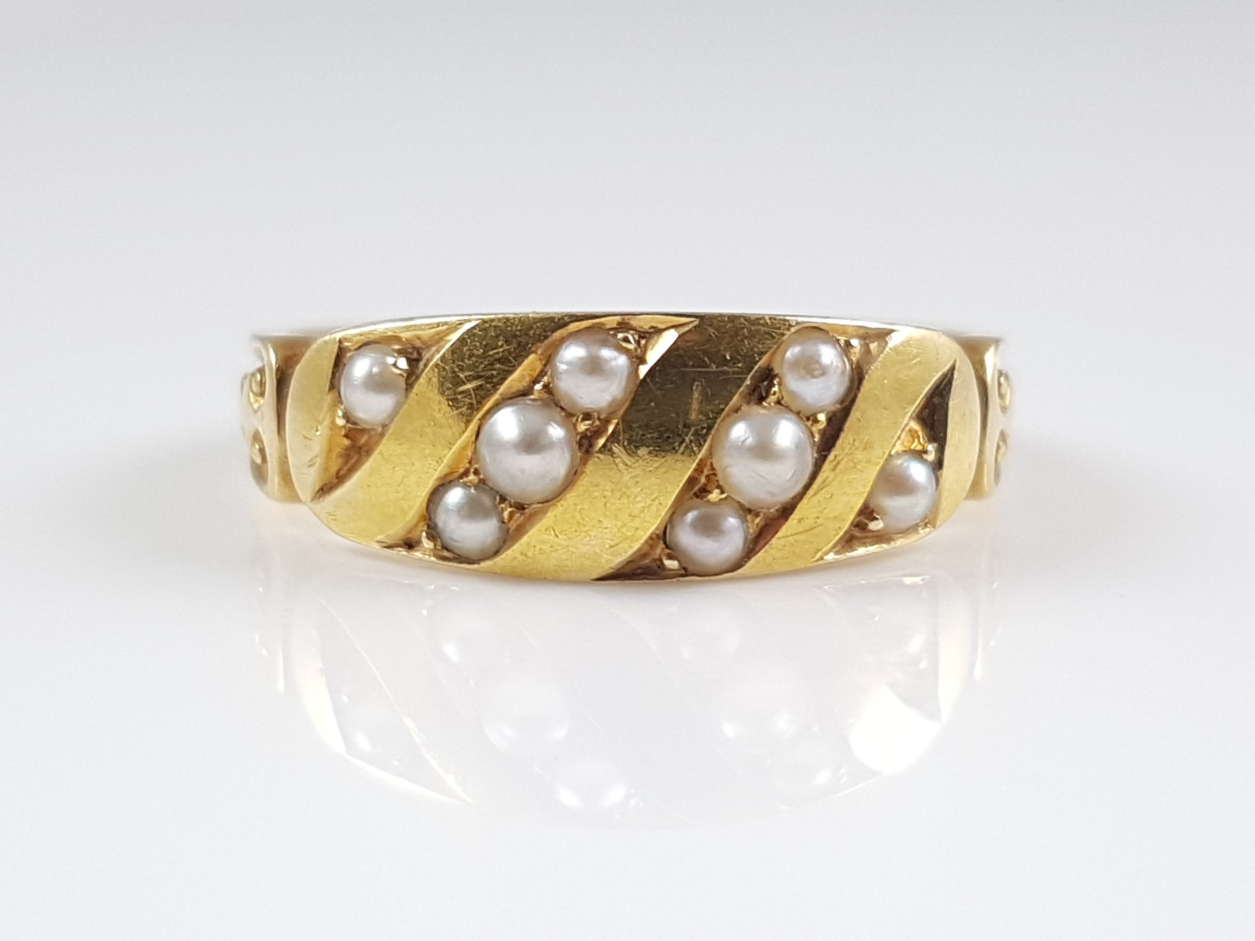 victorian 18ct yellow gold seed pearl ring circa 1885